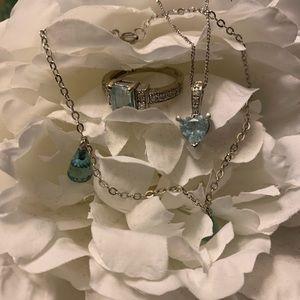 Jewelry - Blue topaz and shite gold set